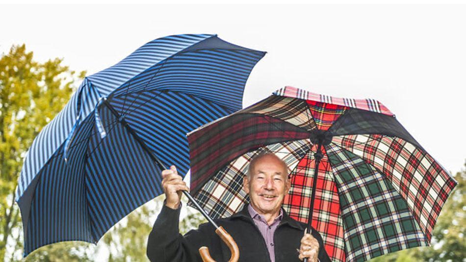 Mit Schirm und Charme - unser Geschäftsführer im Portrait