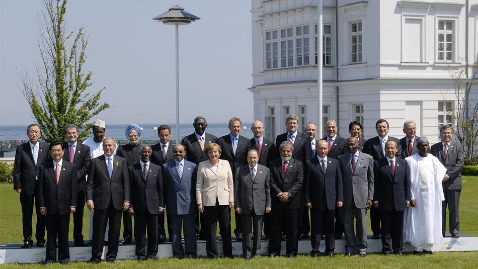 G8 Gipfel in Deutschland - Schirm Oertel liefert die Schirme