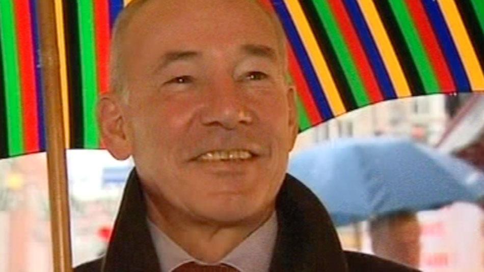 NDR Portrait über Schirm Oertel