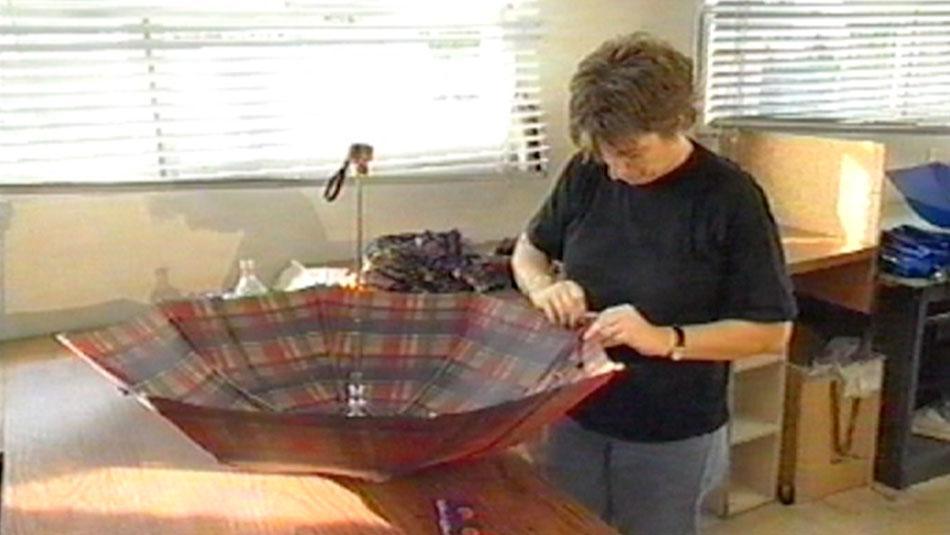 Die Herstellung eines Taschenschirms
